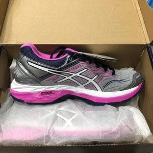 ASICS gt 2000 - new with box